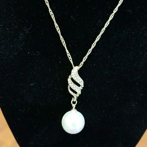 Jewelry - Set of Pearl Necklace & Earrings, Fashion Jewelry